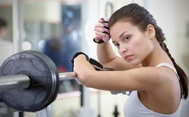 Тренировки для увеличения и подтяжки груди