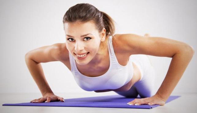 Как самостоятельно увеличить грудь с помощью упражнений дома?