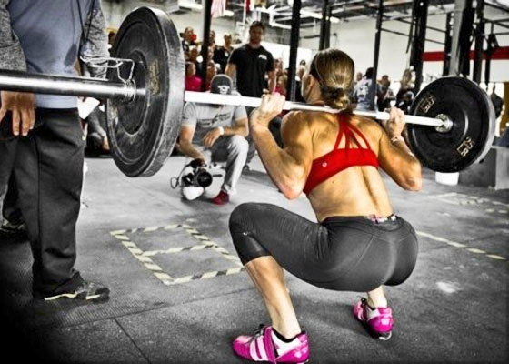 Популярные упражнения для упругости ягодиц среди девушек и парней